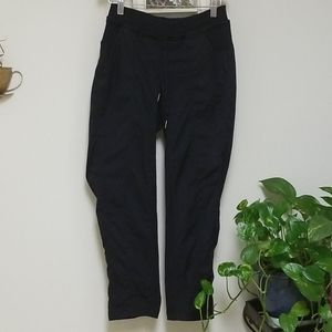 Lululemon Women's Capris Size 4